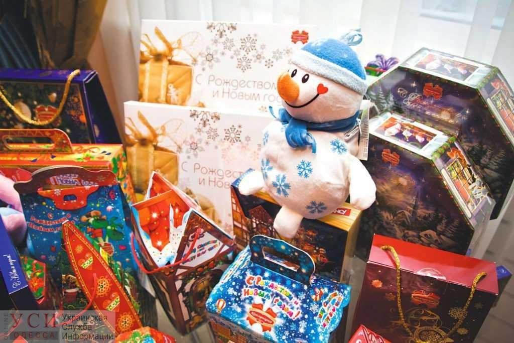 Новогодние «сладости» в школы и садики: сколько в Украине тратят на конфеты и подарки «фото»