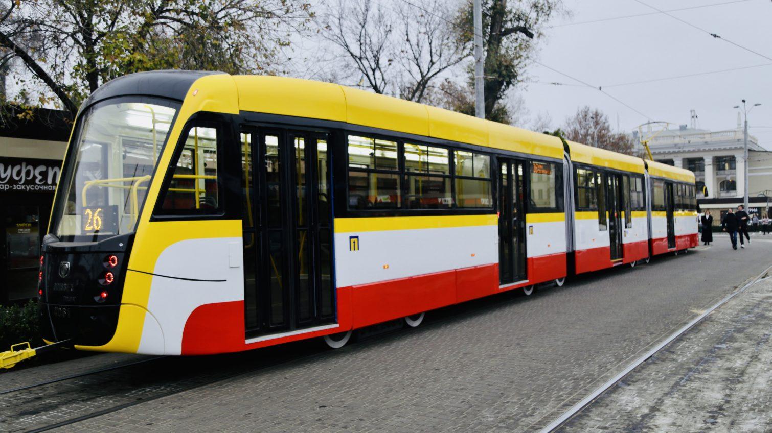 После успешной обкатки в Одессе вышел на рейс самый длинный трамвай в Украине «Одиссей MAX» (фото) «фото»