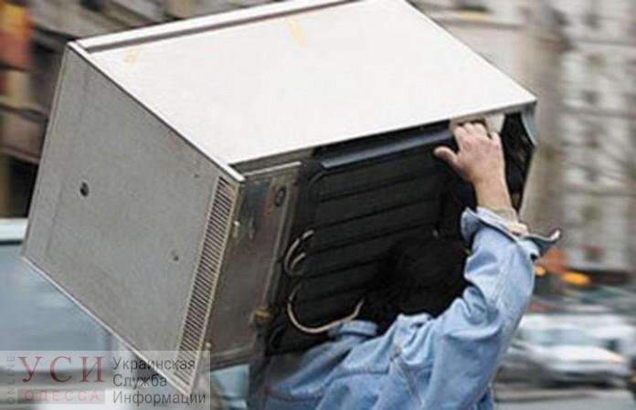 Житель Одесской области украл церковный холодильник — за это ему грозит до трех лет тюрьмы «фото»