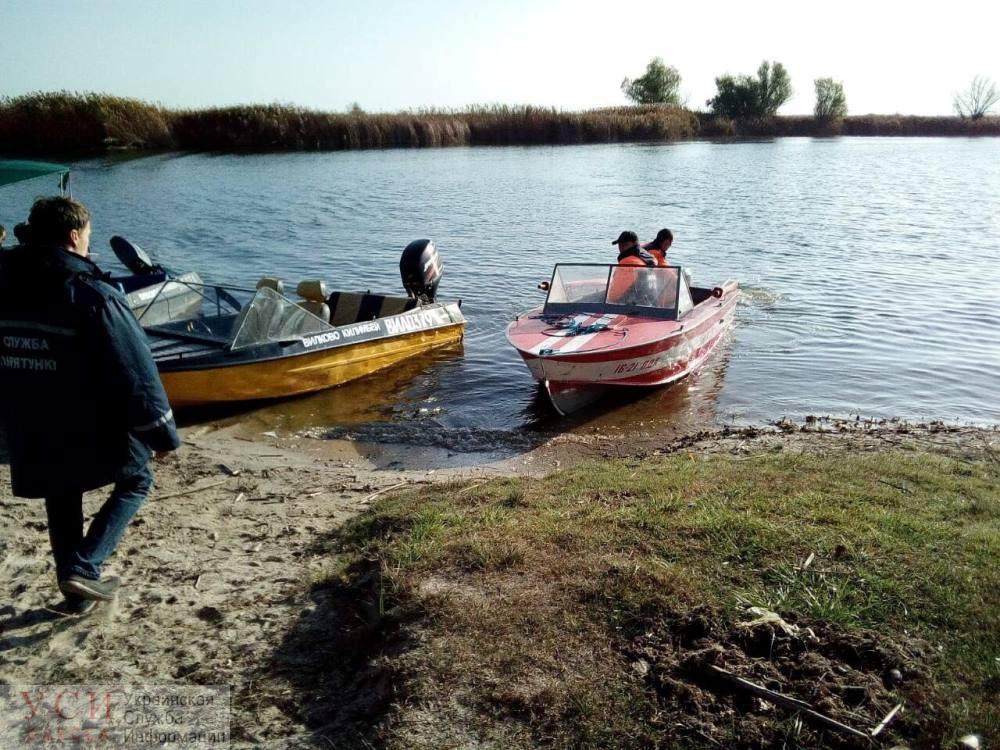 Спасатели больше суток ищут пропавшего на Дунае рыбака «фото»