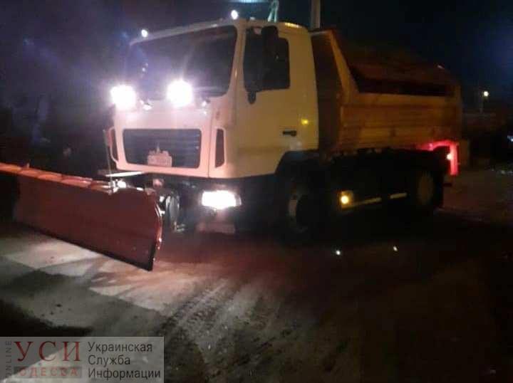 Зима на пороге: дороги в Одесской области покрывает гололед «фото»