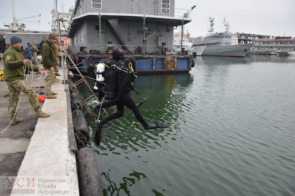 Учились по стандартам НАТО и провели больше 10 часов под водой: в Одессе выпустили первый курс военных водолазов «фото»