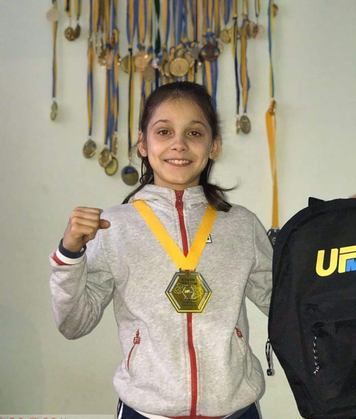 Отец 11-летней одесситки проходит ДНК-тест, чтобы забрать дочь домой «фото»