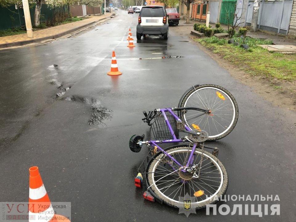 Под Одессой водитель «Smart» сбила пенсионерку на велосипеде – у пострадавшей сломаны ребра (фото) «фото»