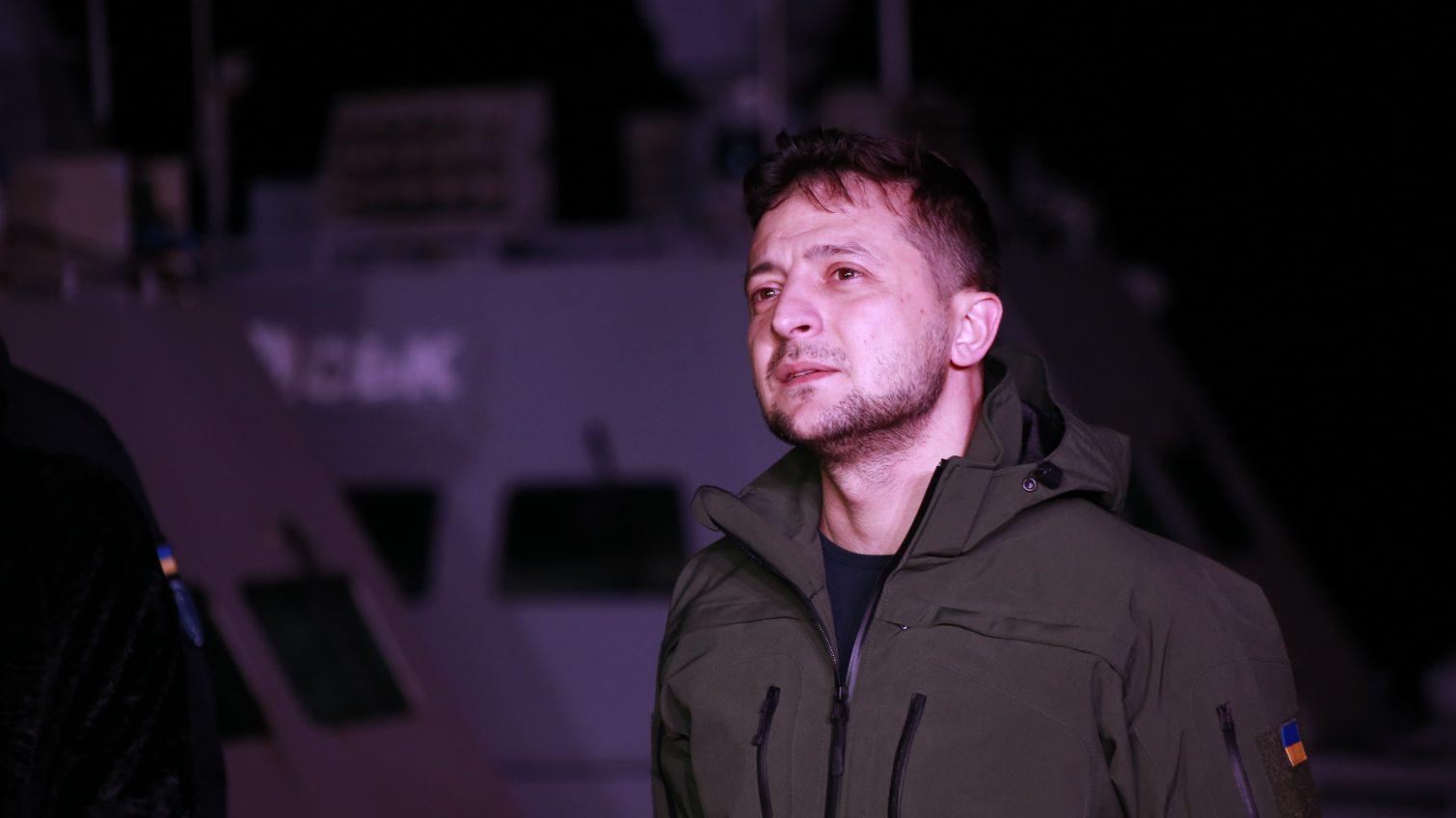 Президент Зеленский прилетел в Очаков встречать корабли, которые Россия отдала Украине (прямая трансляция) «фото»