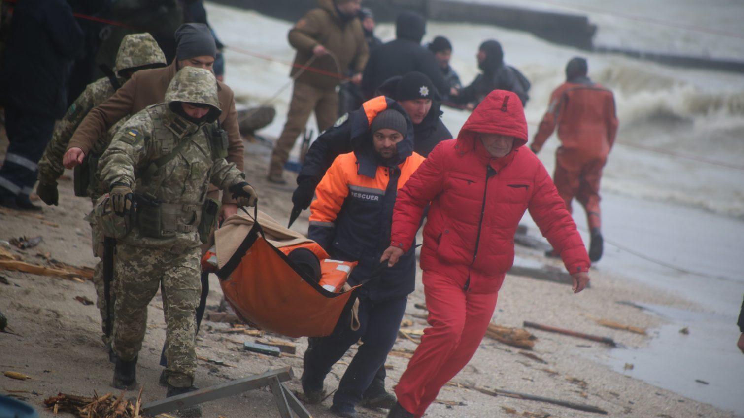 «Его состояние удовлетворительное»: капитана судна Delfi выписали из больницы (фото) «фото»