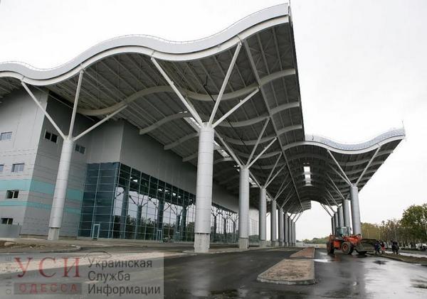 Одесский аэропорт простаивал полтора часа из-за чартера «фото»