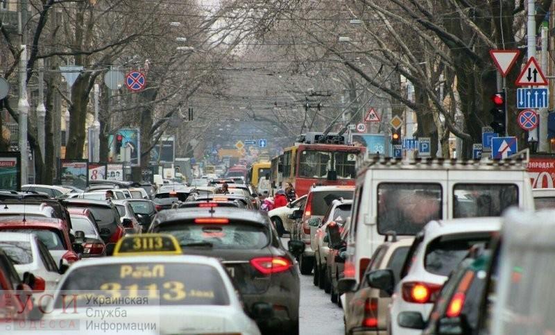 На Николаевской дороге хотят организовать реверсивную полосу «фото»
