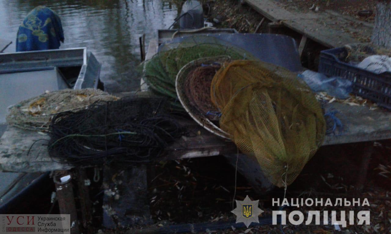 На водоеме в Одесской области патруль обнаружил полсотни браконьерских сетей с пойманной рыбой и раками (фото) «фото»