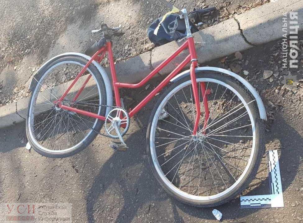 Не услышал сигнала из-за наушников: в Одессе поезд сбил велосипедиста «фото»
