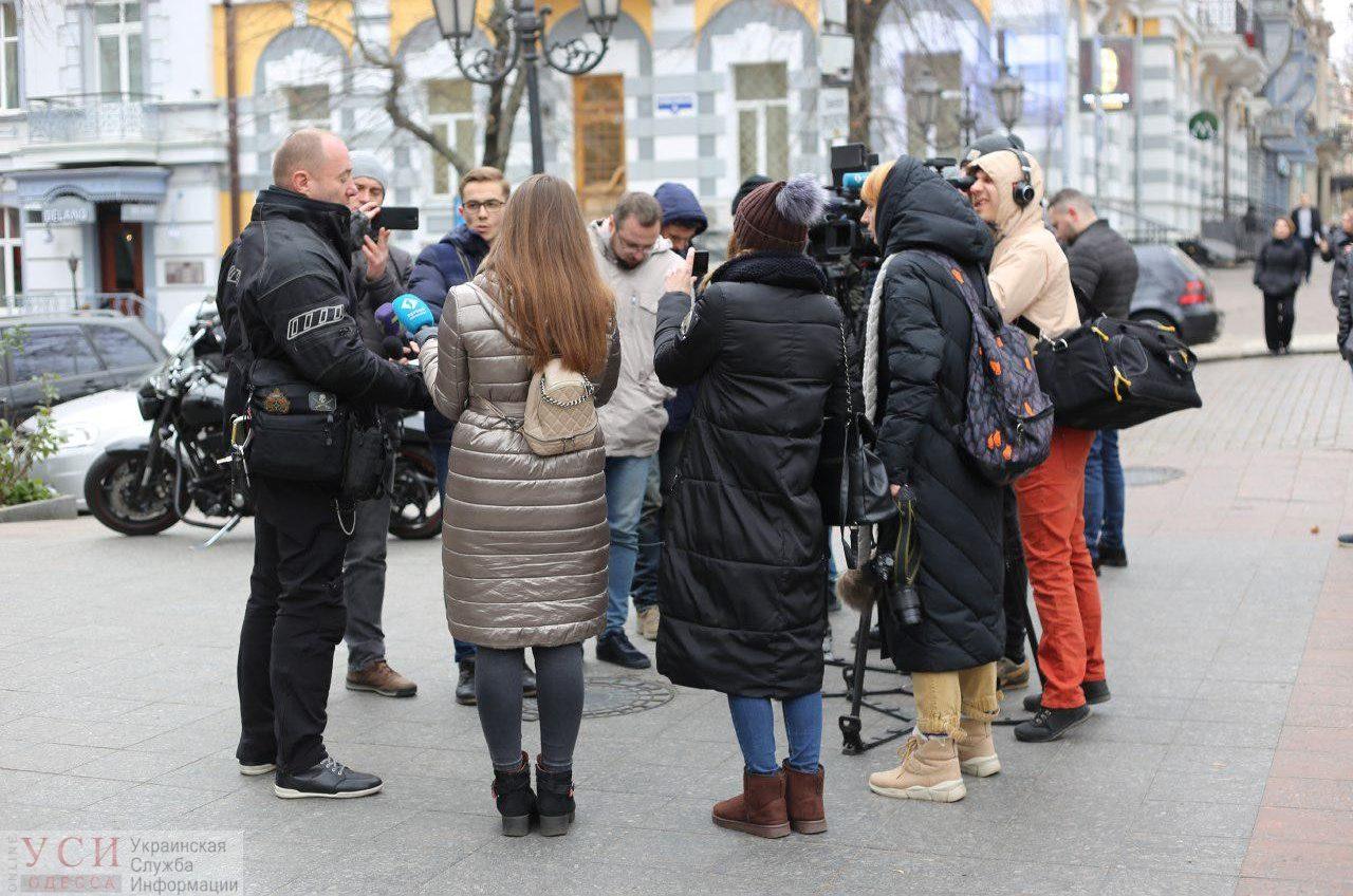 В Одессе требовали расследовать действия ГСЧС во время пожара в «Токио Стар» (фото) «фото»