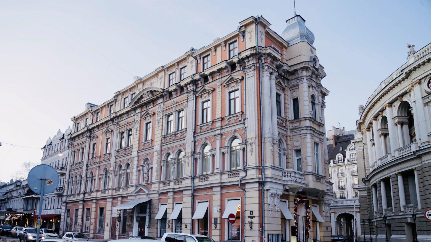 Новогодняя распродажа: в муниципалитете за полцены приватизируют помещения в центре Одессы «фото»