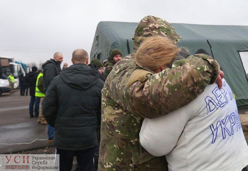 64 украинца, освобожденных по обмену, находятся в киевской больнице в стабильном состоянии «фото»
