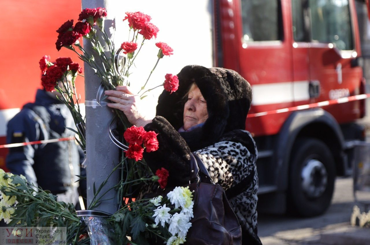Трагический пожар на Троицкой: день третий ОБНОВЛЯЕТСЯ «фото»