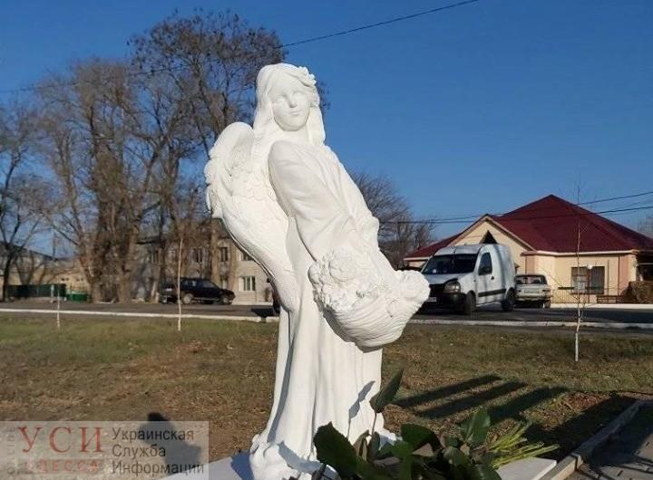 В память о Даше Лукьяненко в Ивановке установили памятник в виде ангела (фото) «фото»