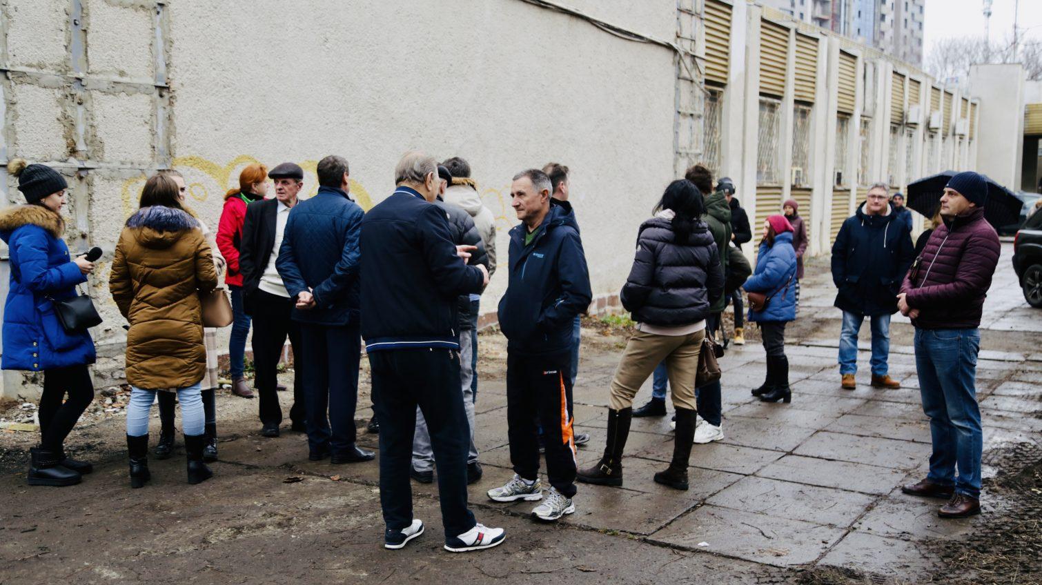 Стройка у «Олимпийца»: недовольные одесситы вышли на митинг против стройки у спортивной арены, опасаясь за ее судьбу (фото) «фото»