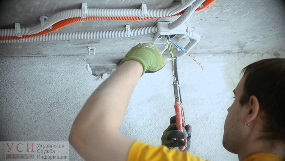 В большинстве одесских школ нужно менять проводку: работы сделаны только в четверти «фото»