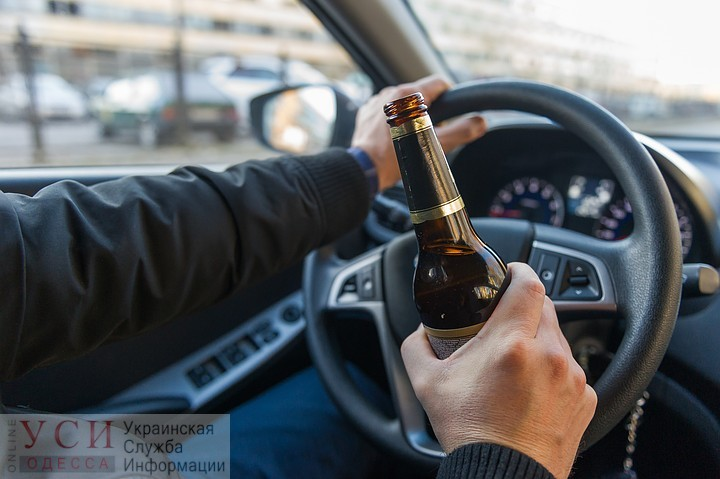 В Одессе пьяный водитель настойчиво предлагал взятку копам «фото»