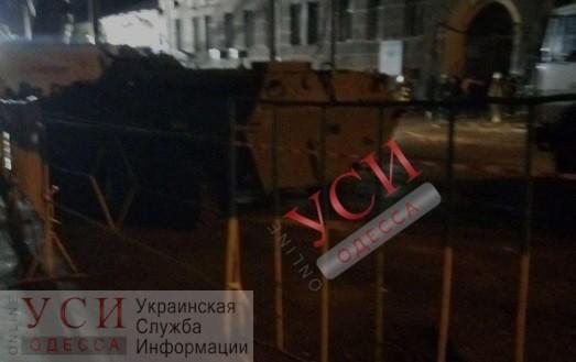 Завтра перекроют движение по Пушкинской: будут разбирать стену сгоревшего дома, уже подъехали БТР «фото»