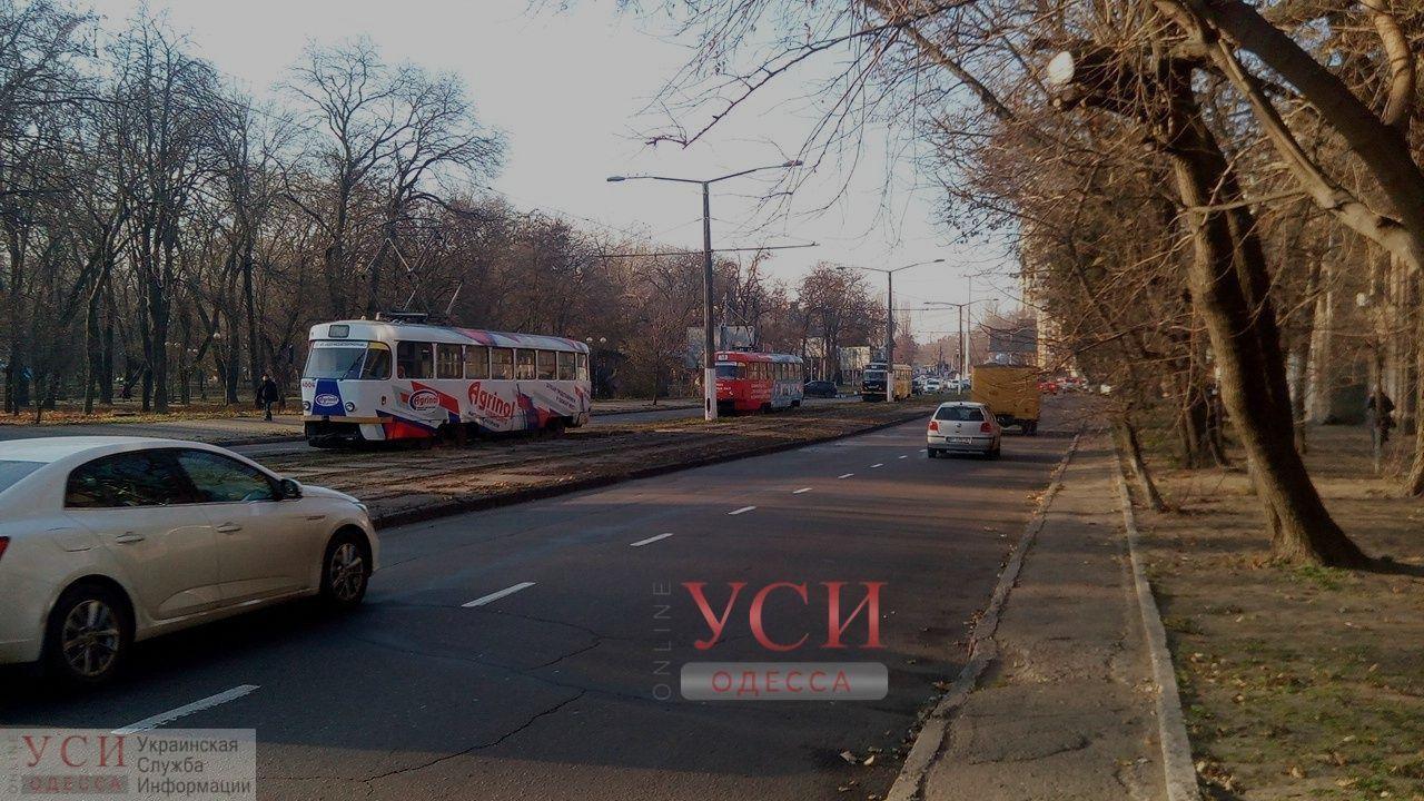 Авария на электроподстанции парализовала работу троллейбусов и трамваев в Одессе ОБНОВЛЕНО «фото»