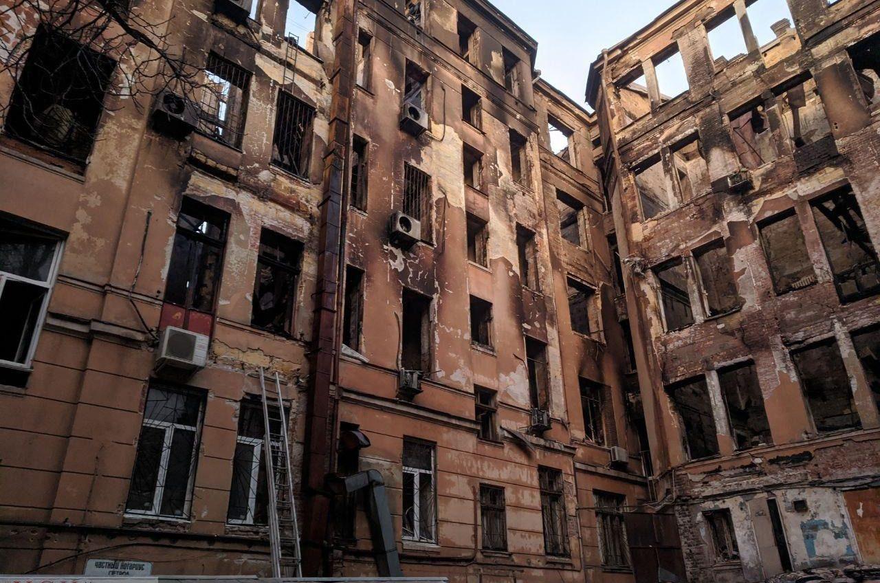 В Одессе за счет бюджета обещают помочь пострадавшим и семьям погибших в трагическом пожаре на Троицкой «фото»