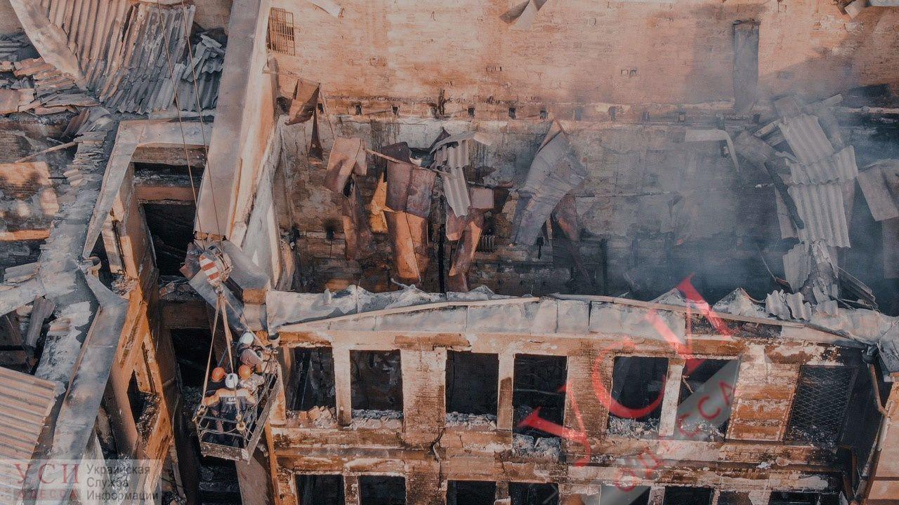 Число жертв пожара на Троицкой растет: найдены еще двое погибших «фото»
