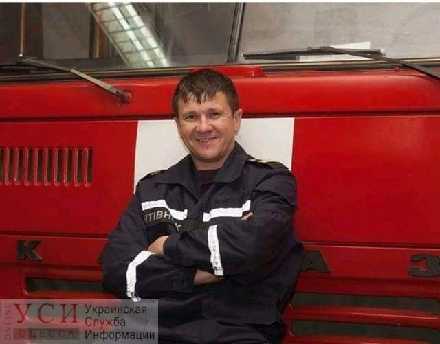 Пожарный Сергей Шатохин, который сорвался с лестницы, спасая людей во время пожара на Троицкой, умер в больнице «фото»