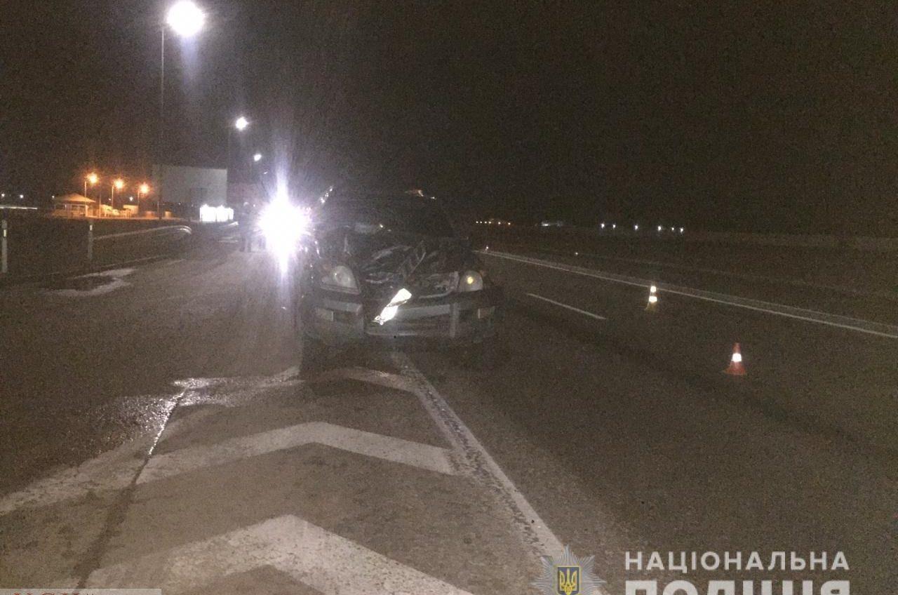 На трассе Одесса-Киев водитель авто насмерть сбил пешехода, который перебегал дорогу «фото»