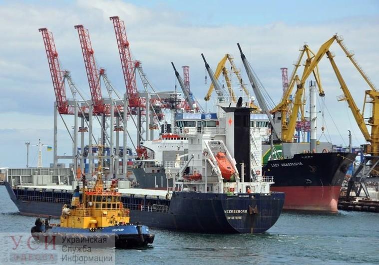 Морские порты Украины перевалили рекордное количество грузов за всю историю своего существования (инфографика) «фото»