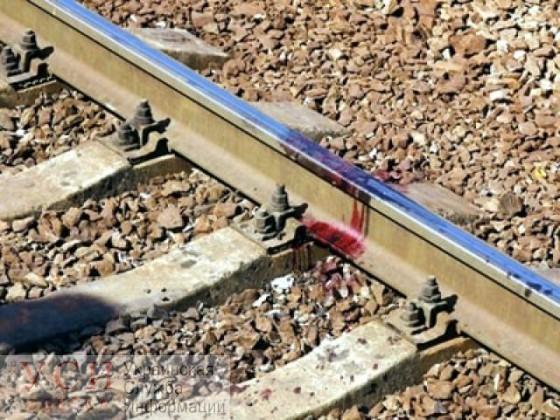 Поезд насмерть сбил пожилого мужчину в районе станции Одесса-Малая «фото»