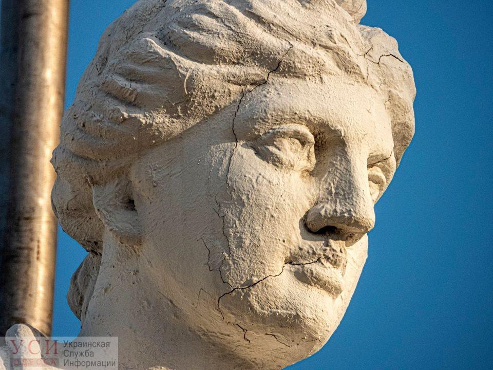 В интернете появилось фото скульптуры «Ночь» на Одесском горсовете до разрушения (фото) «фото»