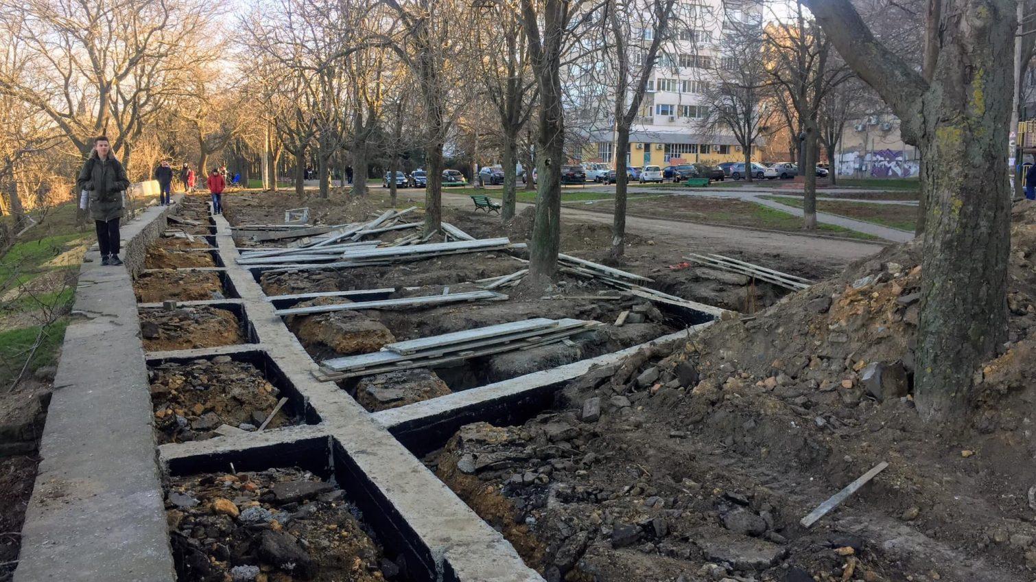 Ремонт бульвара Жванецкого: общественников возмутили странные конструкции, а в мэрии говорят, что все по плану «фото»