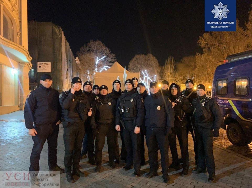 В новогоднюю ночь патрульные выехали больше чем на тысячу вызовов (фото) «фото»