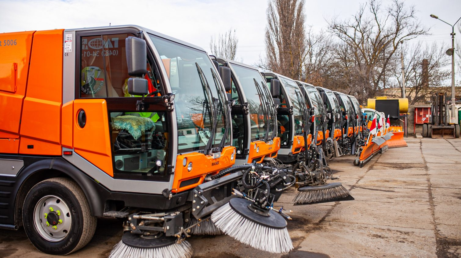 К метелям и сугробам готовы: в Одессе создали единую диспетчерскую и  представили 3 новые снегоуборочные машины (фото) — УСИ Online