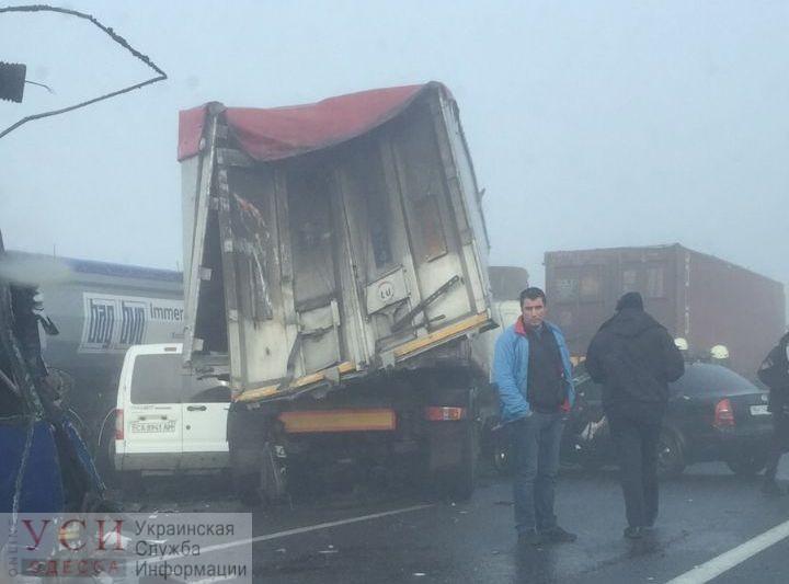 Подробности ДТП у Дачного: столкнулись 11 автомобилей, водитель автобуса погиб (фото, видео) ОБНОВЛЕНО «фото»