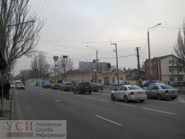 Николаевскую дорогу расширят ради выделенной полосы, но придется переносить опоры «фото»