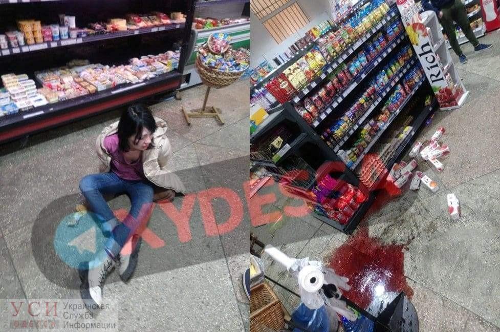 На Черемушках девушка разгромила магазин «фото»