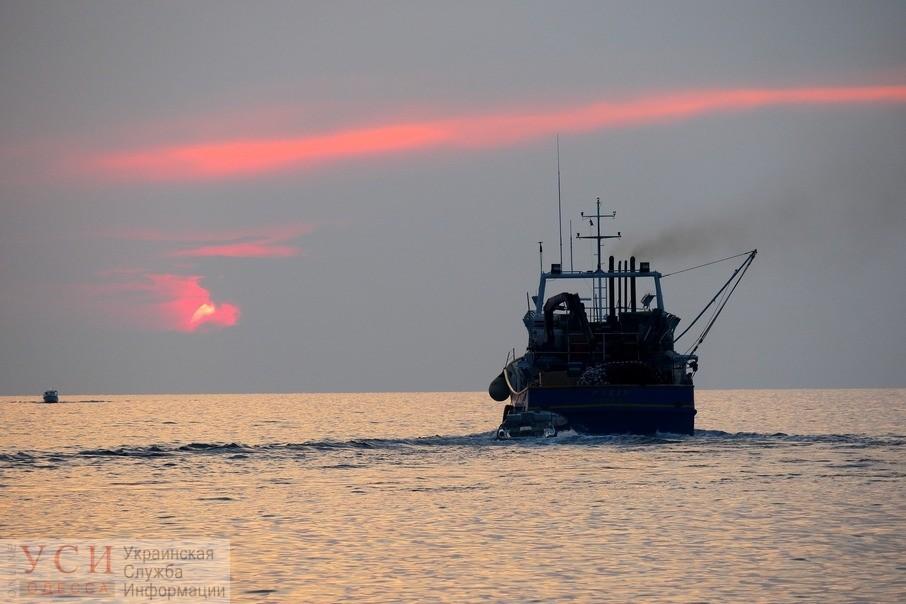 Власти РФ в оккупированном Крыму задержали украинское рыболовное судно «фото»