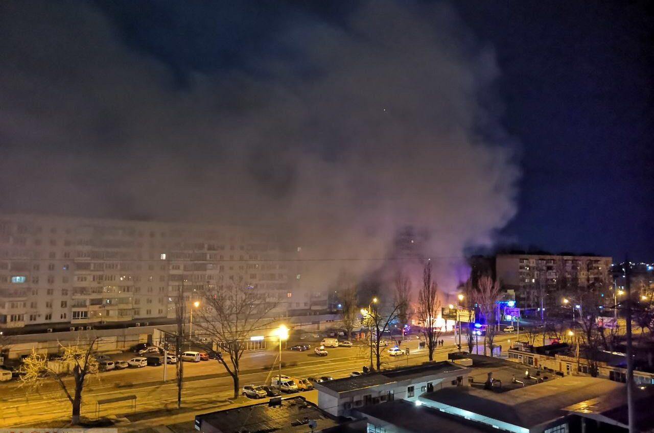 Под утро в Одессе полностью выгорело кафе (фото) ОБНОВЛЕНО «фото»