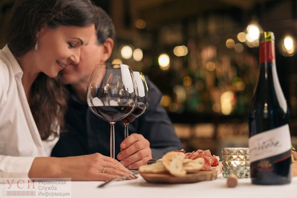 На 10 000 гривен больше: в Одессе австриец пожаловался на двойное меню в ресторане, а его назвали секс-туристом (фото) «фото»
