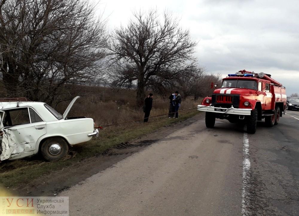 Смертельная авария на трассе Одесса-Киев: водитель влетел в дерево «фото»