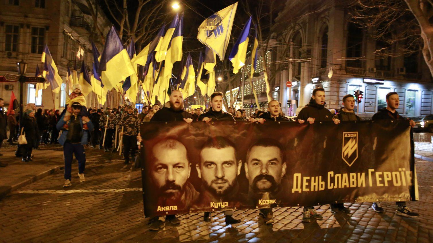 «Герои не умирают»: в центре Одессы проходит акция в память о погибших в боевых действиях на Донбассе (трансляция, фото) «фото»
