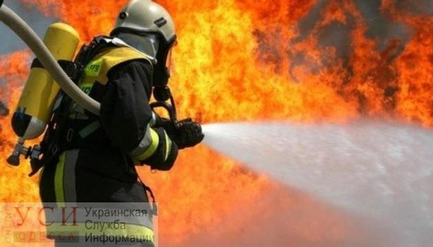 В Черноморске сгорел автомобиль с водителем внутри «фото»