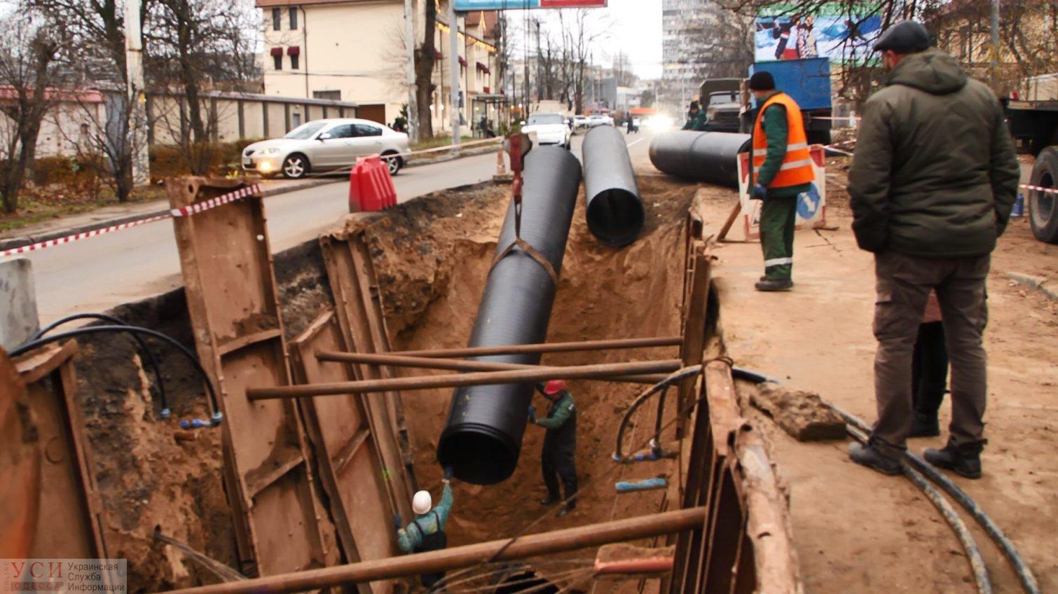 На Львовской починили коллектор и уже асфальтируют места раскопок (фото) «фото»