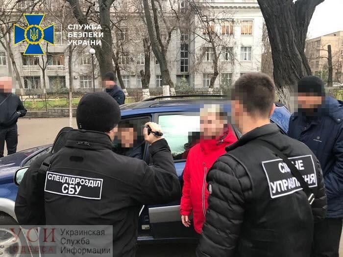 СБУ задержала главного одесского инспектора Гоструда «на горячем» во время получения взятки (фото) «фото»