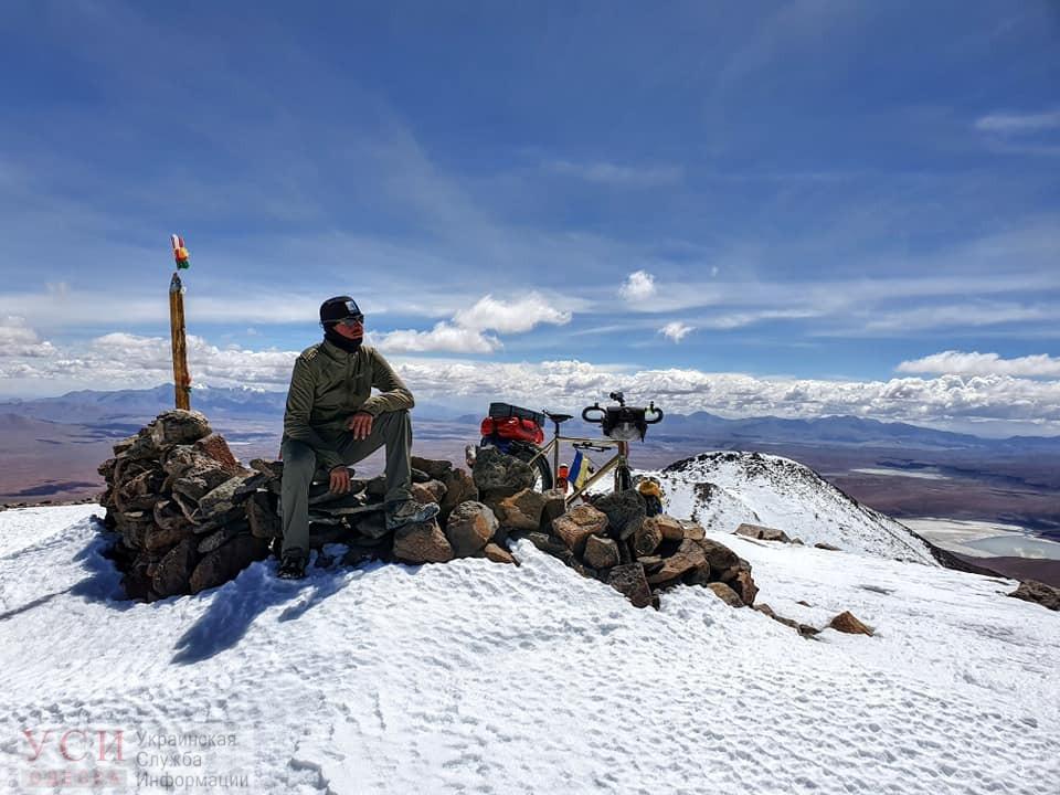 Одесский путешественник в Боливии поднялся на велосипеде на вулкан высотой 6 километров (фото) «фото»