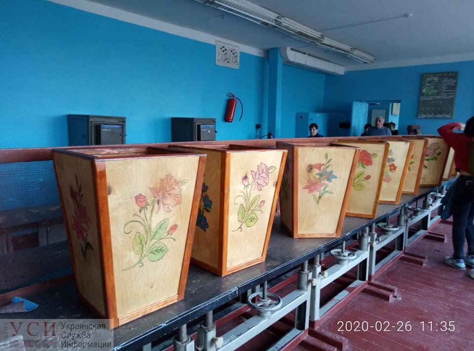 Экология: в Одесской области школьники делали контейнеры для сортировки мусора (фото) «фото»