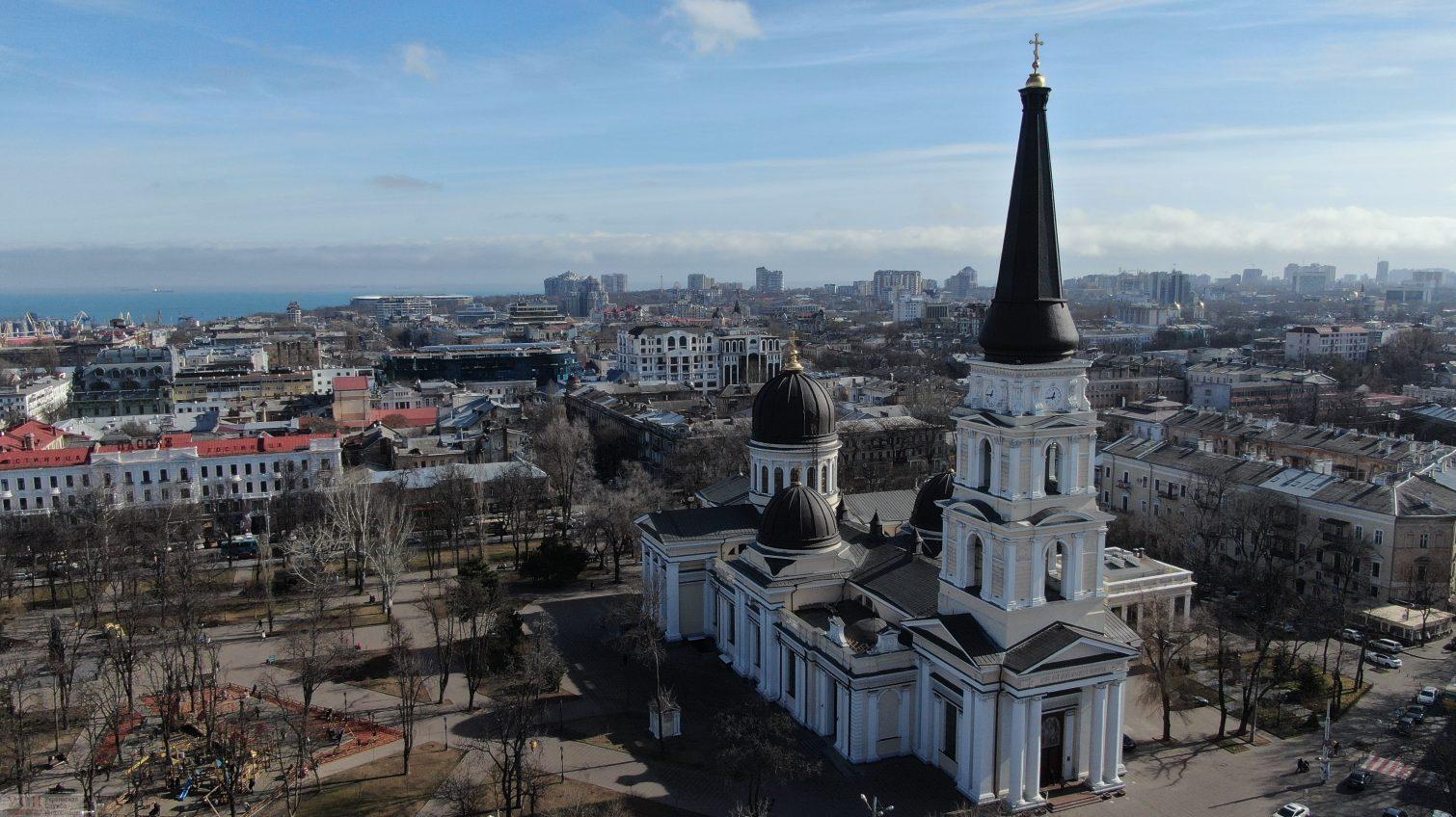 Контрасты и весна: как выглядят крыши современных и старинных зданий Одессы (аэросъемка) «фото»