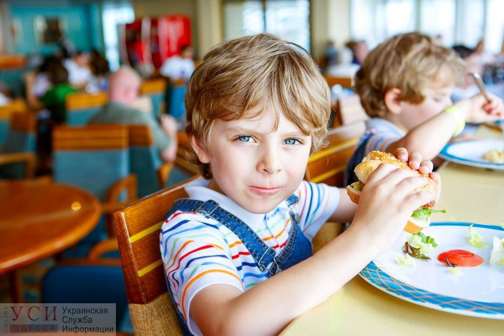 «Дети это едят»: в Одессе закончили проверку нового школьного меню и сократили его «фото»