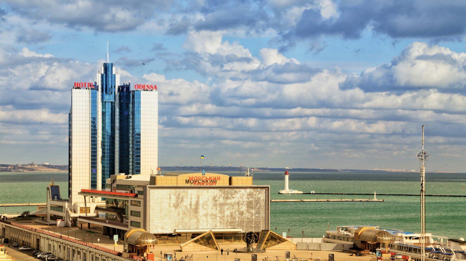 В украинских портах усилят экологический контроль над мытьем трюмов кораблей «фото»